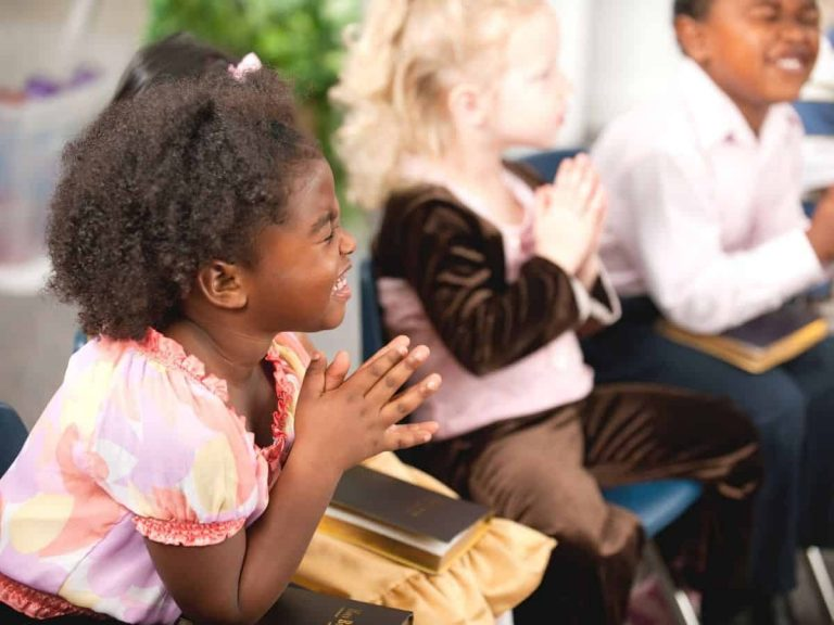 12 Verses of Scripture for Children's Behavior – Teach Them Today!